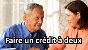 couple réfléchissant à un emprunt