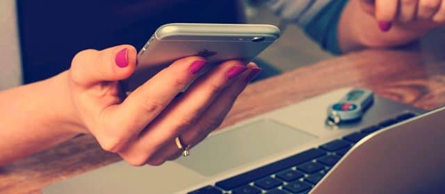 Smartphone et ordinateur