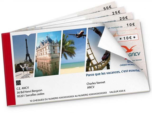 Un carnet de chèque-vacances.